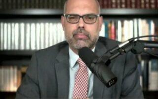 Allan dos Santos diz que vai se apresentar a Interpol quando órgão agir